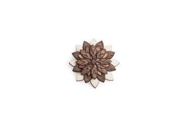 BeWooden - Dřevěná ozdoba do saka Illa Flower pro muže