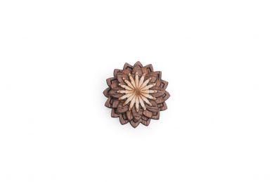 BeWooden - Dřevěná ozdoba do saka Lynx Flower pro muže