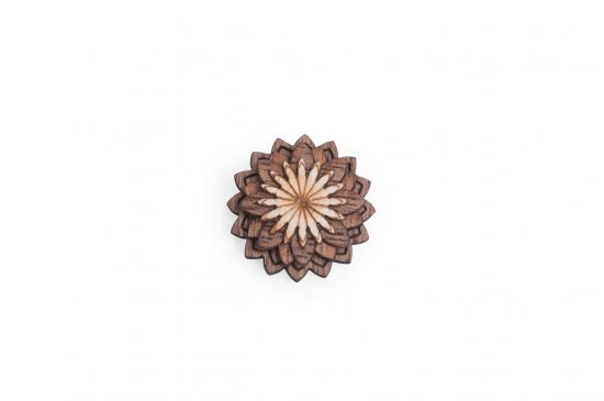 Dřevěná ozdoba do saka Lynx Flower pro muže