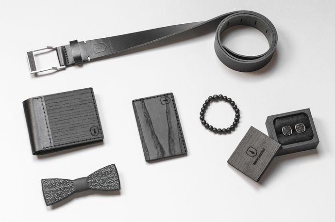 Kombinace produktů BeWooden dřevěná peněženka vizitkovník pánský motýlek manžetové knoflíčky v luxusní krabčce náramek a kožený opasek