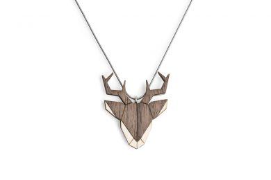 Dřevěný přívěsek BeWooden Deer Pendant na krk s řetízkem zdarma