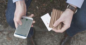 Dřevěná peněženka a vizitkovník pro pravého gentlemana