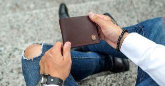 Peněženky a vizitkovníky v nové kožené podobě