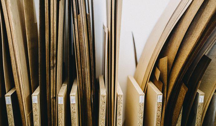 sklad dřev pro výrobu
