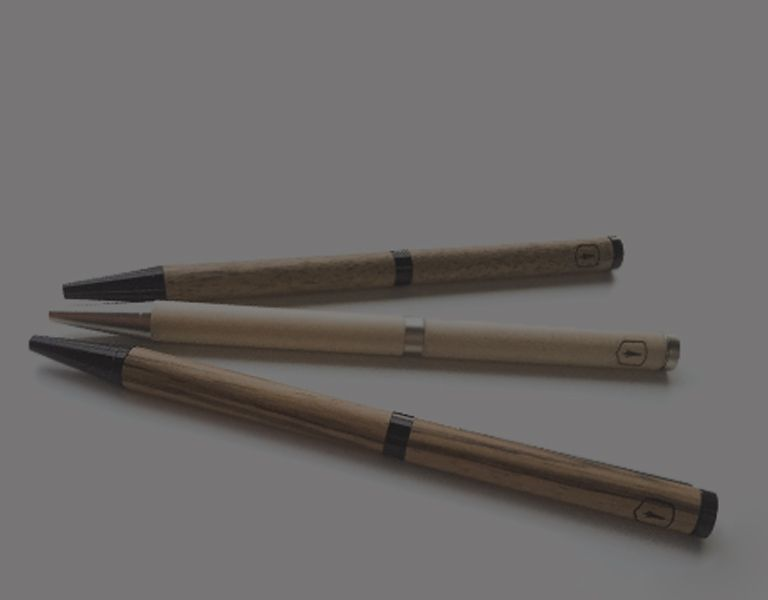 Tužky a pera