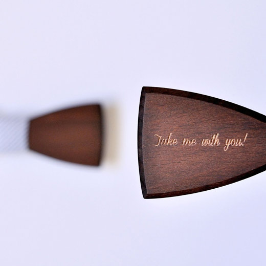 Wooden bow tie with your monorgam