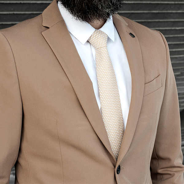 Postaršie muž s kravatou BeWooden