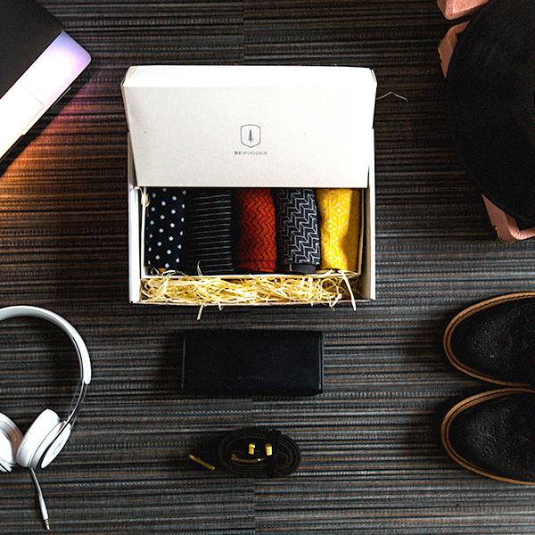 Set všech pěti párů ponožek v dárkové krabici BeWooden