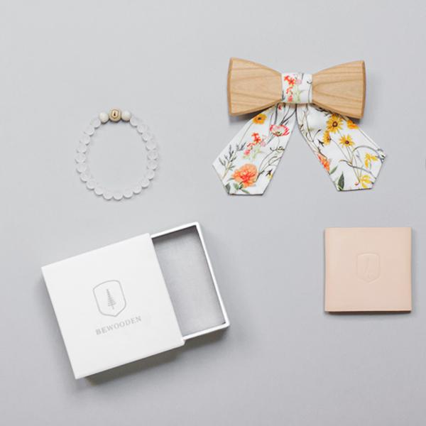 Set korálkového náramku Ice Bracelet a romantického dřevěného motýlka Pae